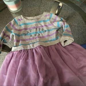 Girls 2T gap dress 👗